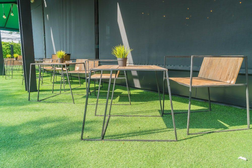דשא סינטטי בית קפה