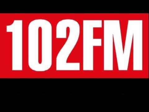 דשא קבוע ברדיו 102 FM