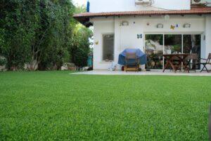 דשא סינתטי לגינה ופינות ישיבה