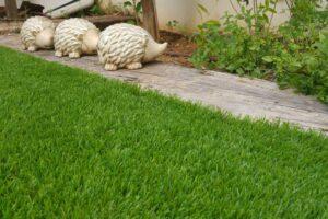 דשא סינתטי לגינה במראה טבעי