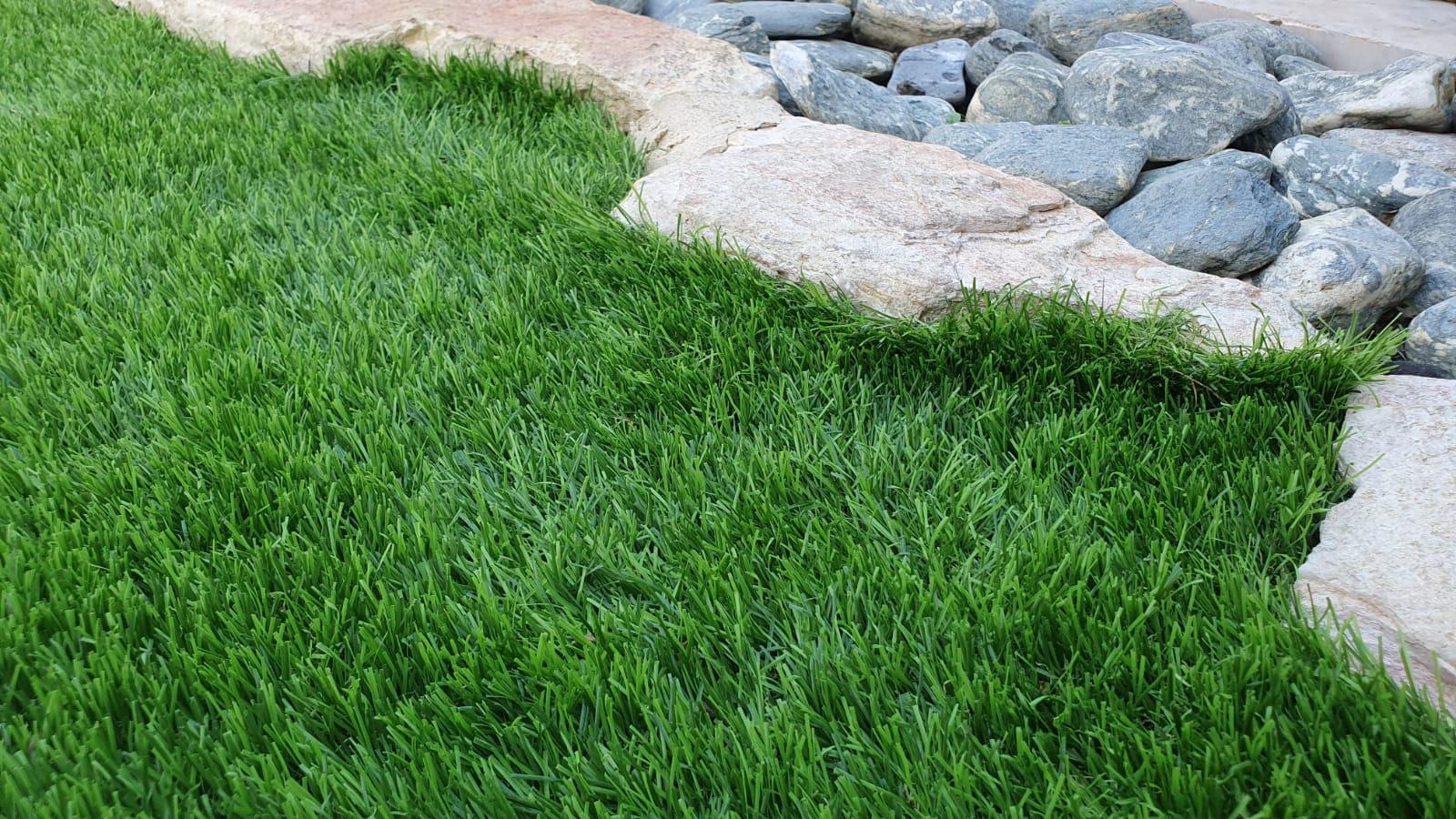 דשא סינטטי בחיפה