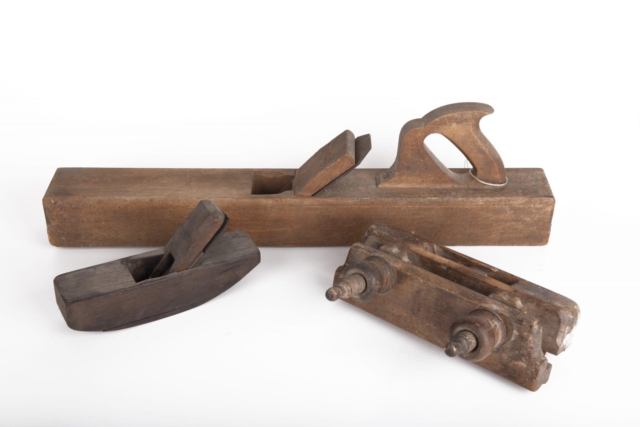כלי נגרות עתיקים