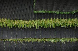איך סוגי תפרים משפיעים על איכות דשא סינטטי?