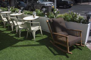 דשא סינטטי לפינות ישיבה וזולה