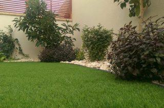 דשא סינטטי בראש פינה