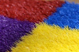 דשא סינטטי צבעוני
