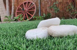 דשא סינטטי בבית דגן