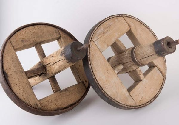 גלגל עץ עתיק en