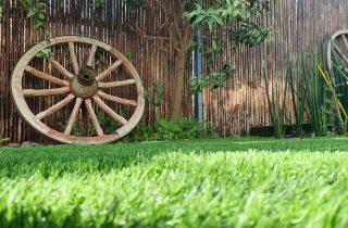 גלגלי כרכרה לעיצוב הגינה