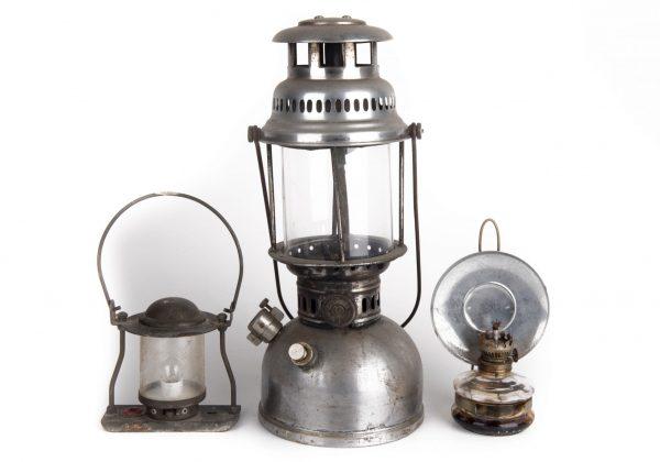 עששיות ומנורות נפט
